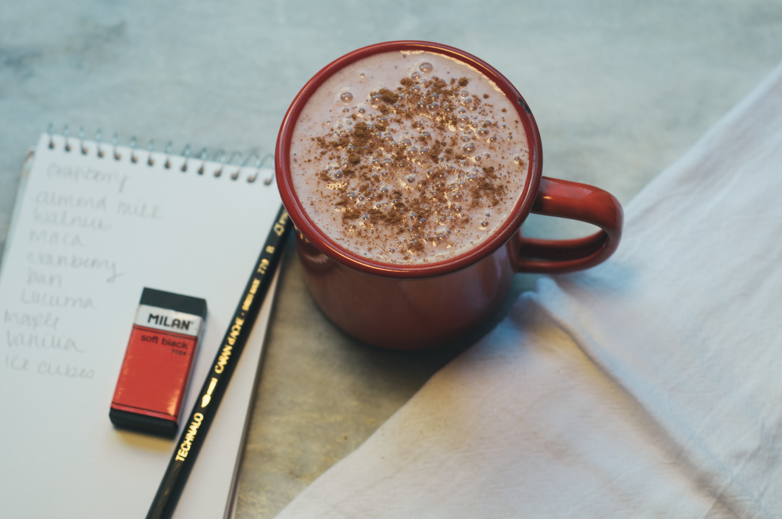 Freeandnativejournal__Holiday_Cranberry_Smoothie 2a.jpg