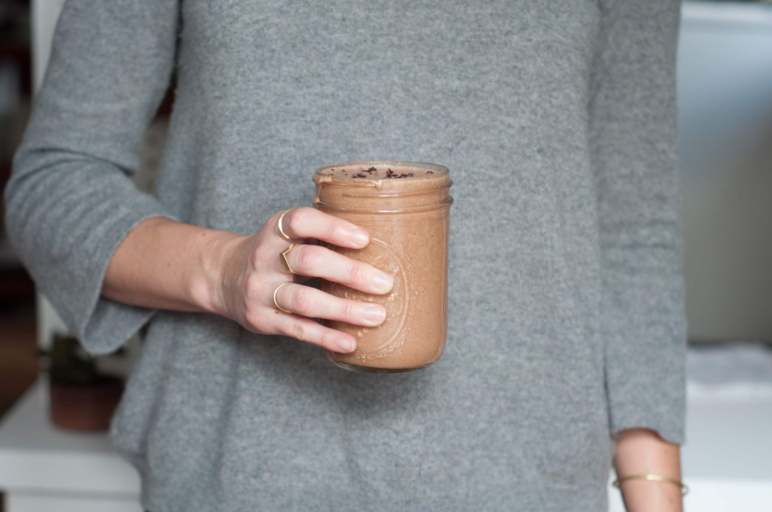 Freeandnativejournal__Shiva_Rose_Chocolate_maca_smoothie_7.jpg