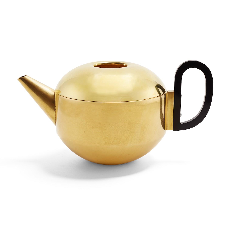 1356767-tom-dixon-form-teapot-a.jpg