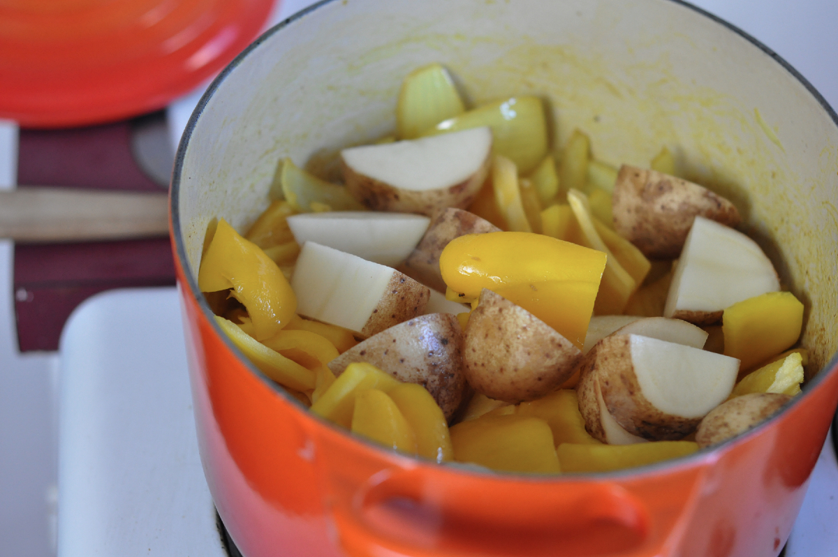 Freeandnative_Sprouted_Fall_Turmeric_Soup_4.jpg