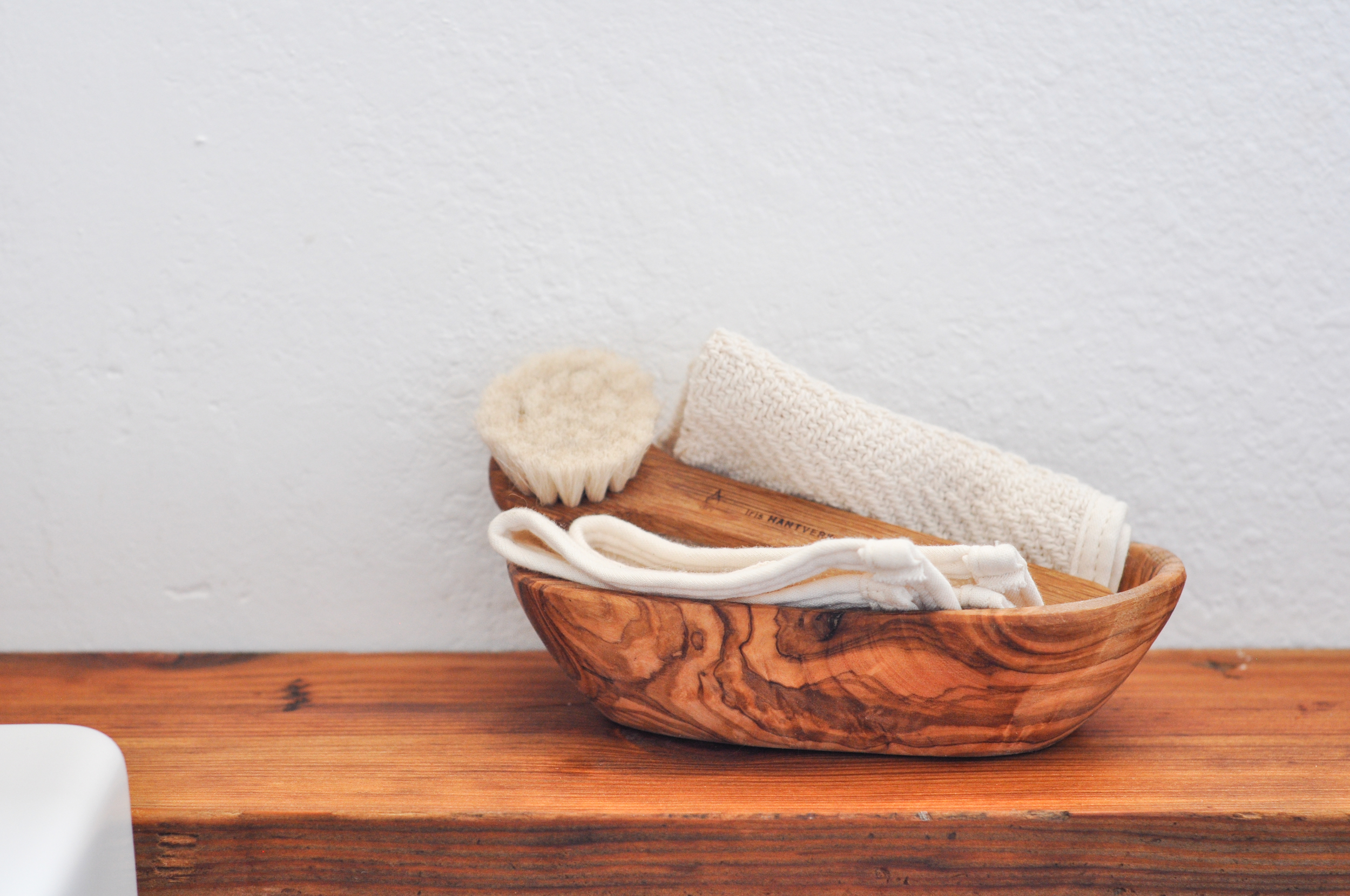 free-and-native-dry-brush-basket
