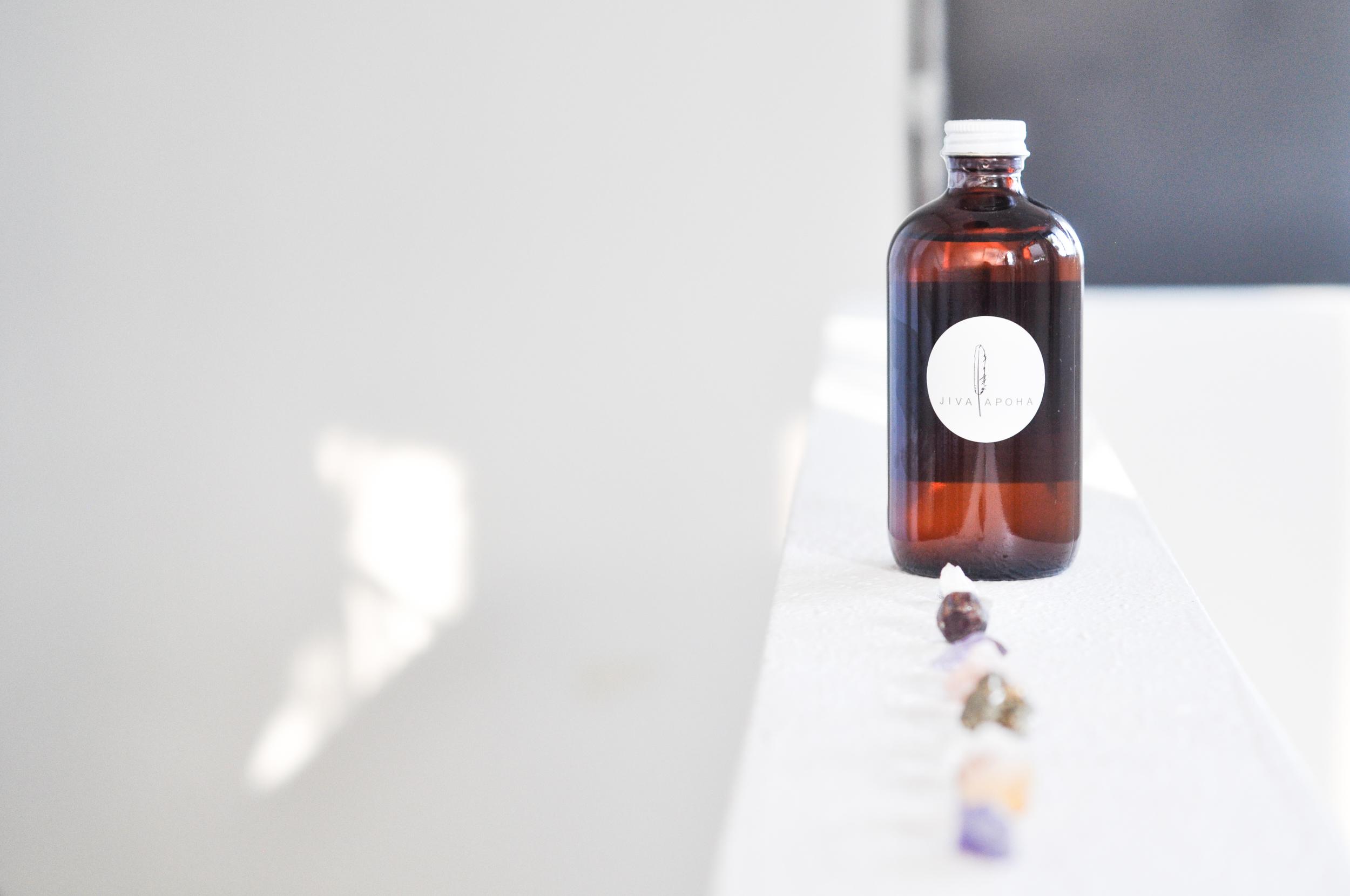 free-and-native-jiva apoha-oil