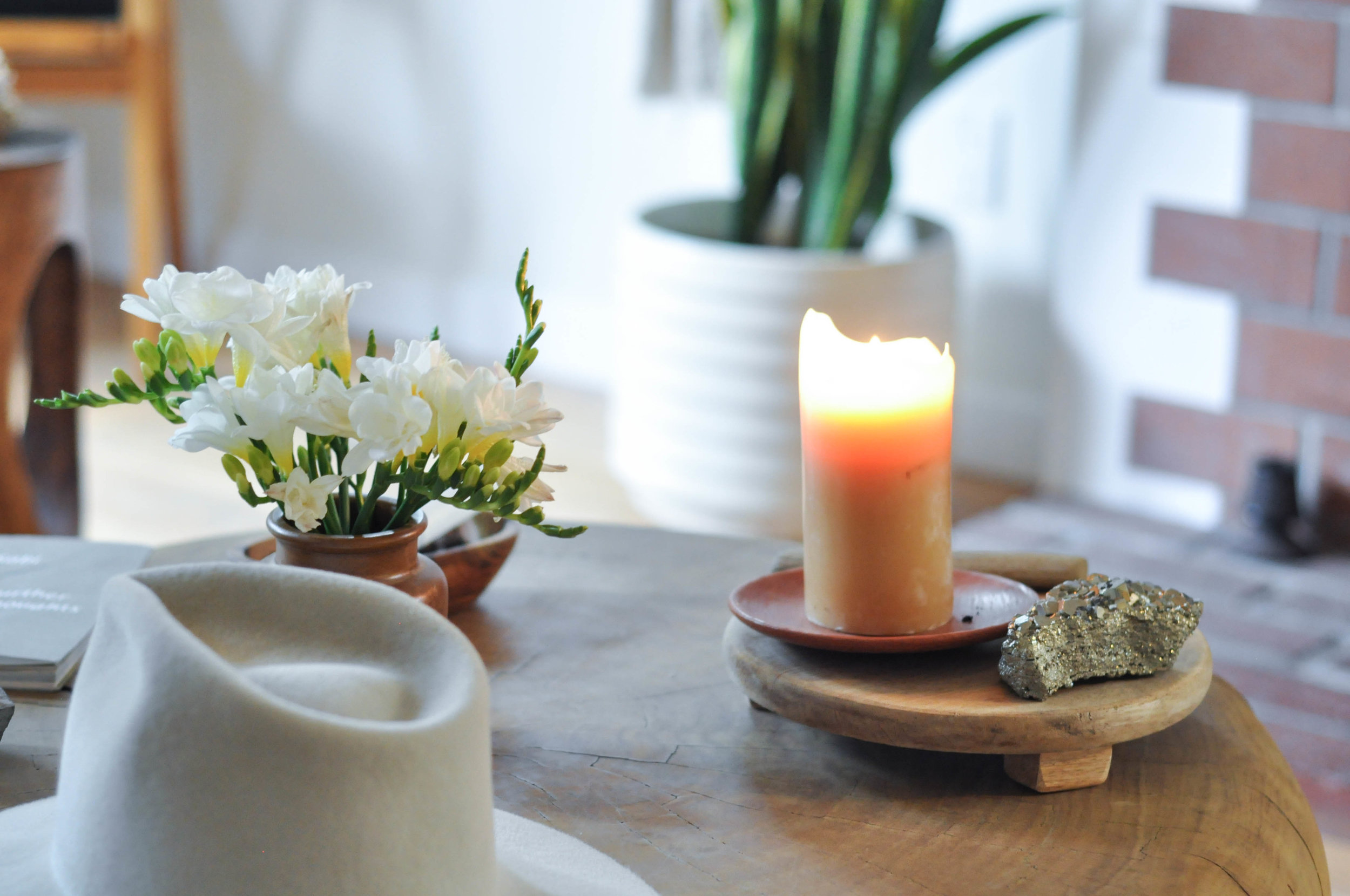 free-and-native-candle-table-Rock Bottom