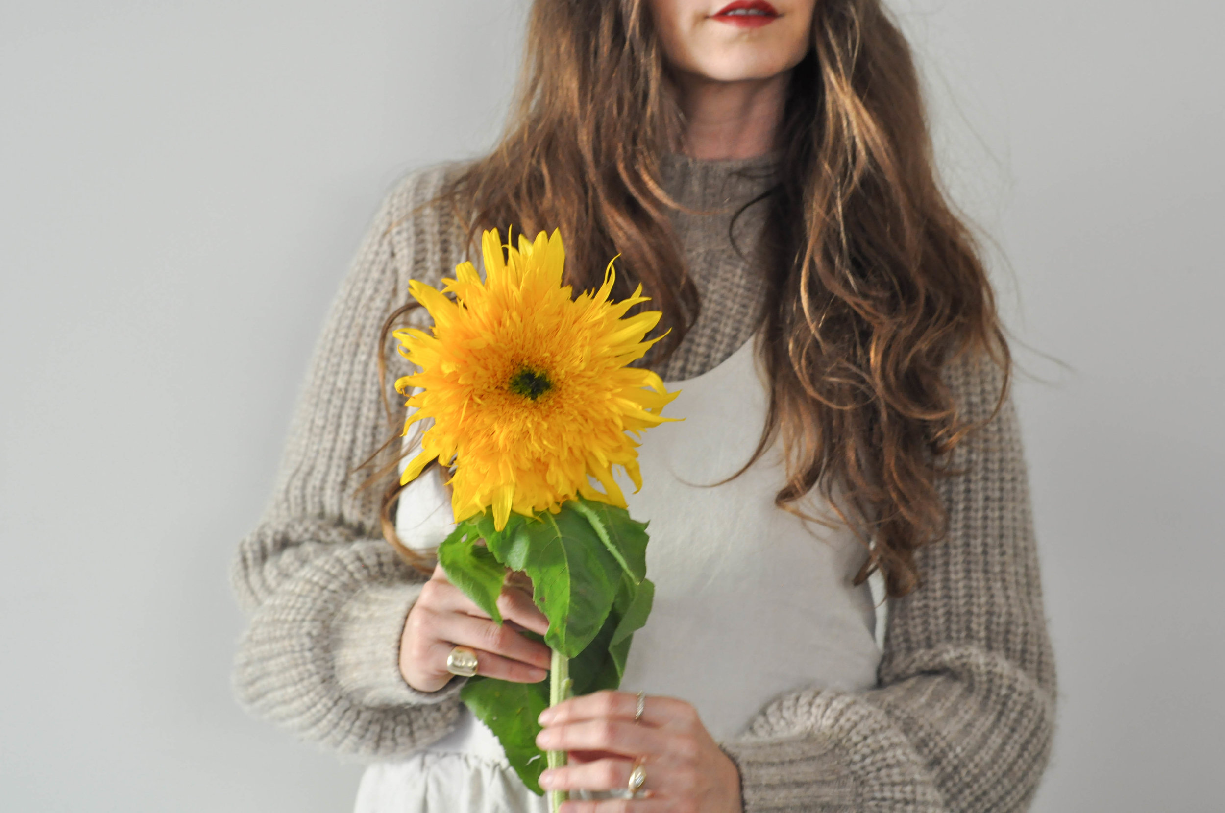 free-and-native-dress_sunflower_red_lips_ring_sweater_long_hair_1 (1 of 1).jpg