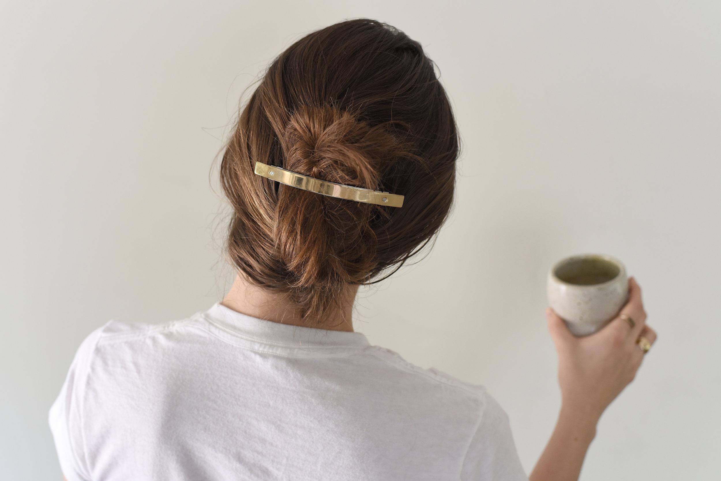 free-and-native-hair-clip-mug
