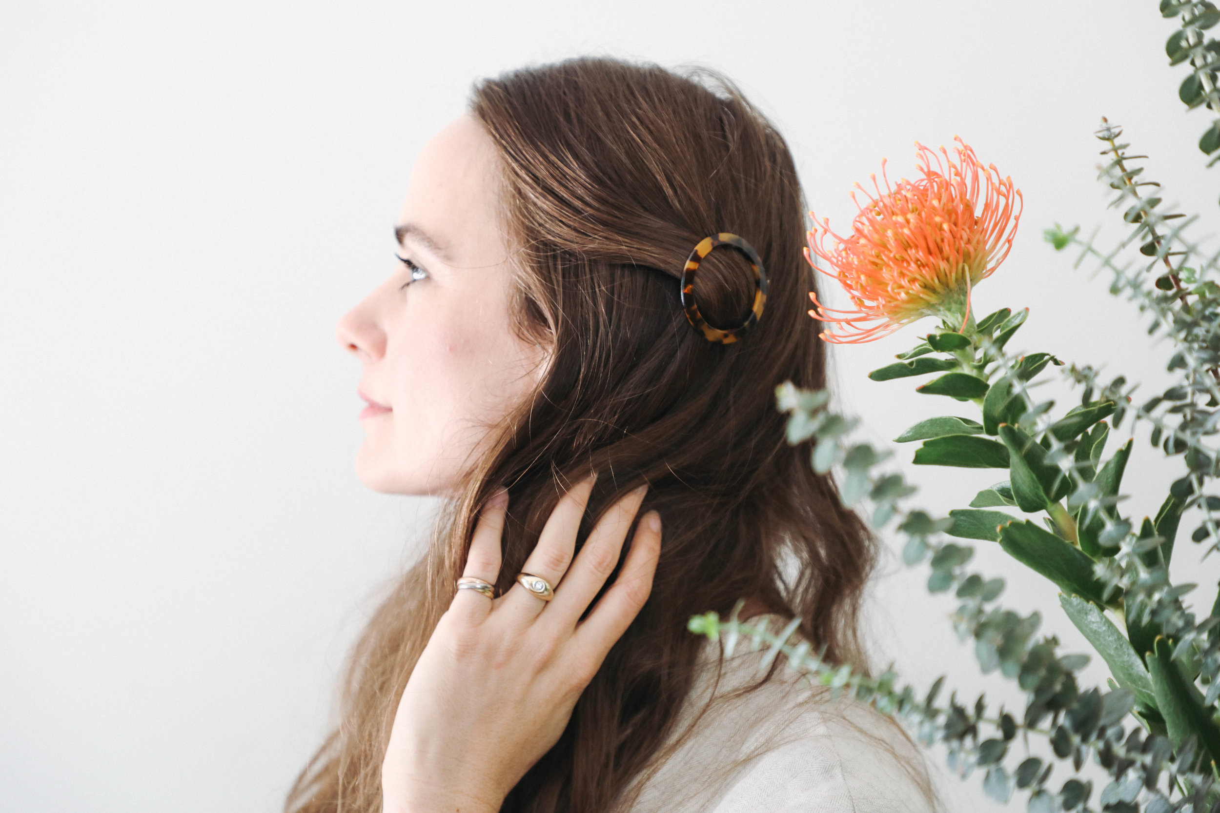 free-and-native-lacy-hair-flowers