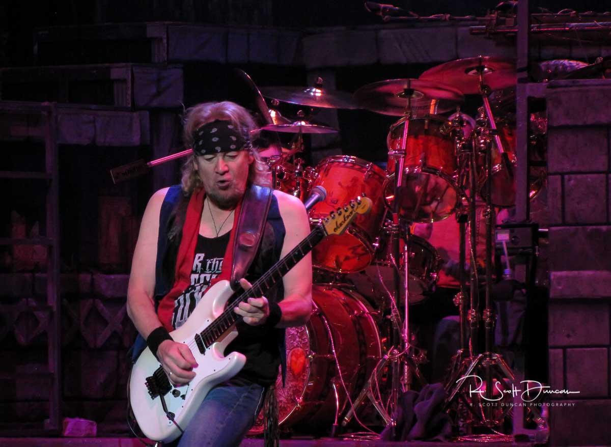 iron-maiden-adrian-smith-guitar-book-of-souls-tour-2017-a.jpg