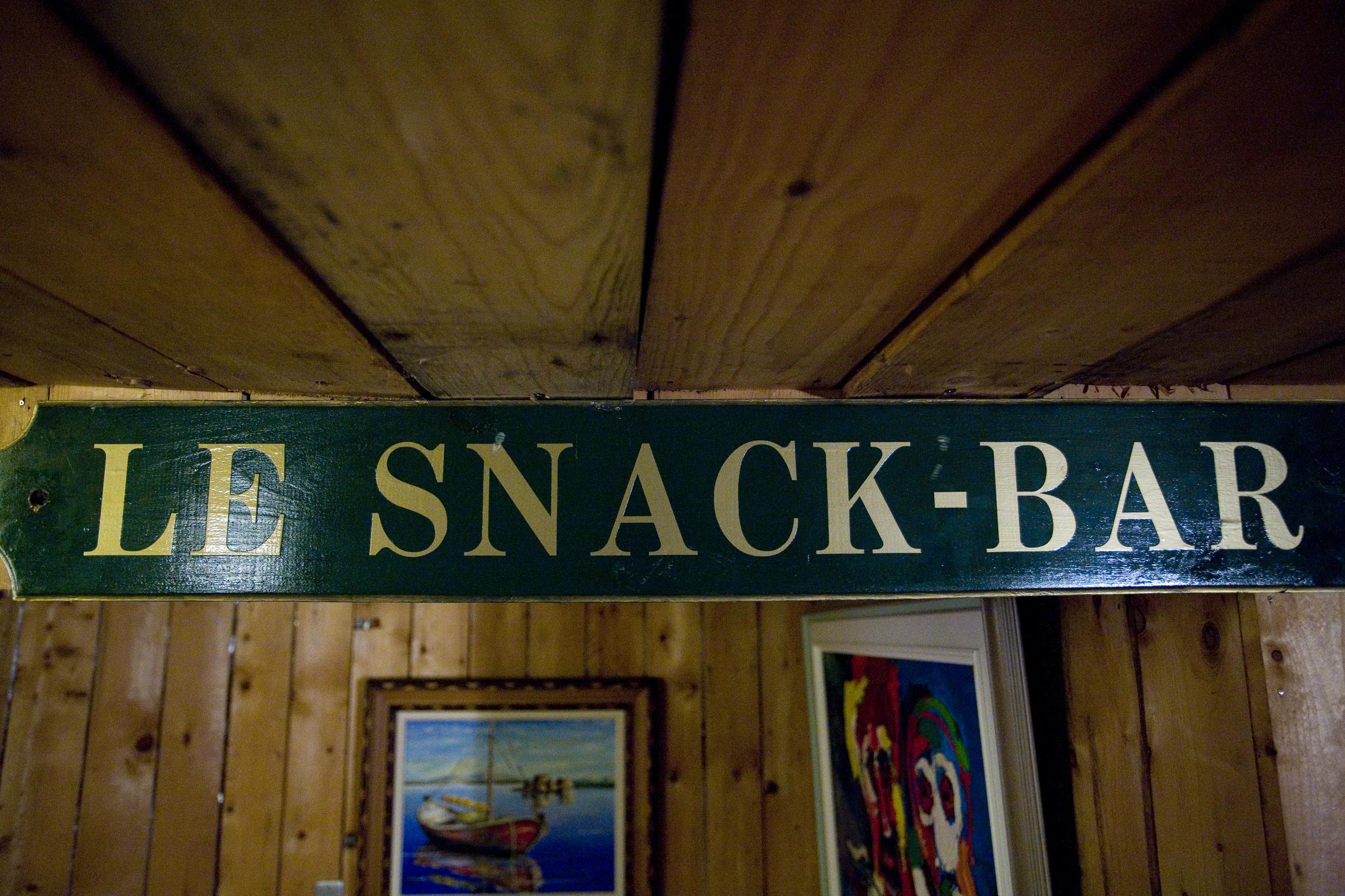 Snack Bar sign