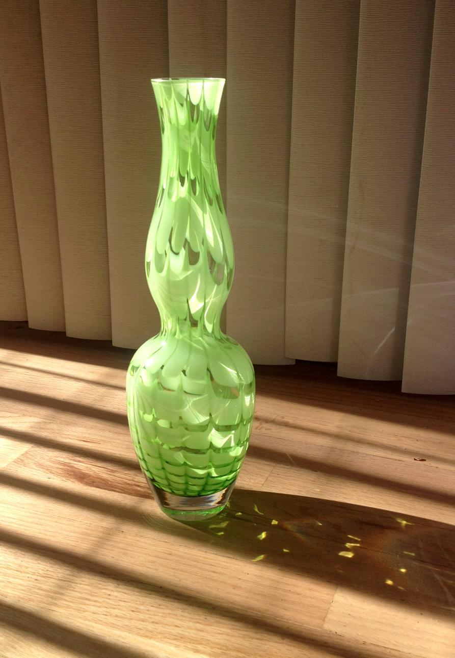vases_2_green.jpg