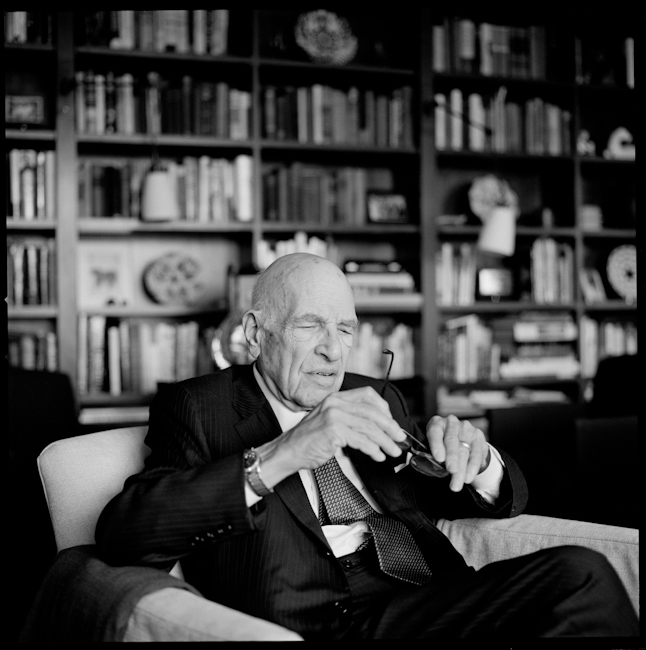 Walter Schloss, 'Superinvestor' Who Earned Praise From Buffet, Dies at 95   February 21, 2012