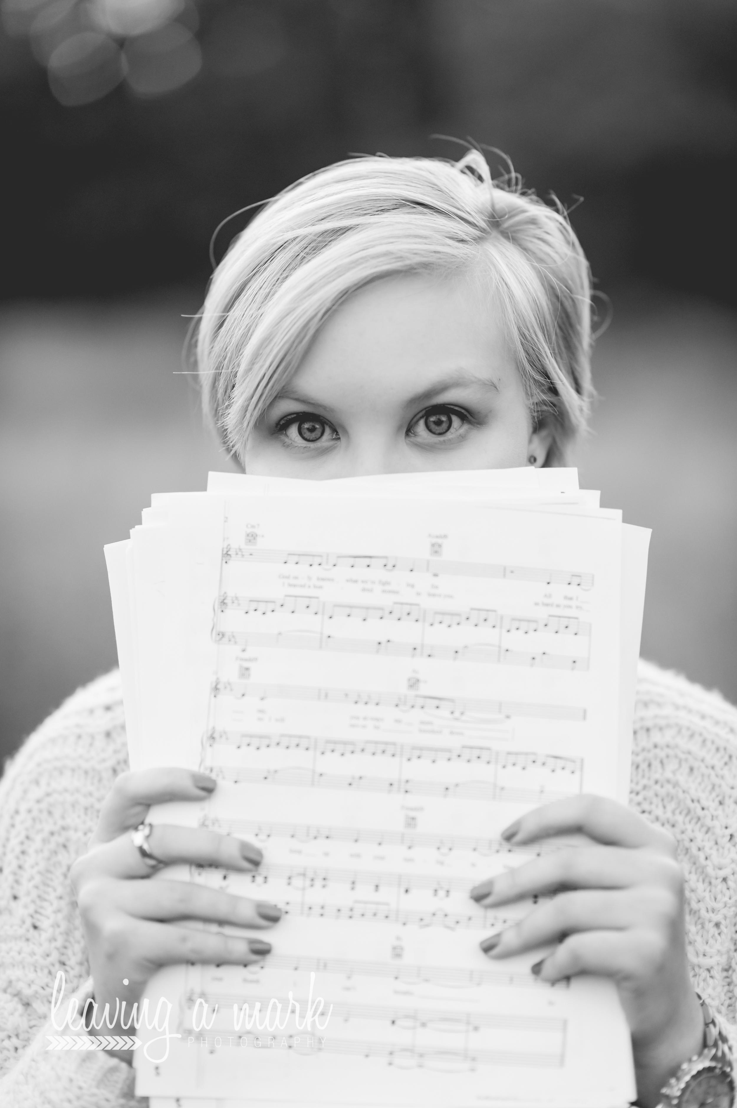 senior girl, music