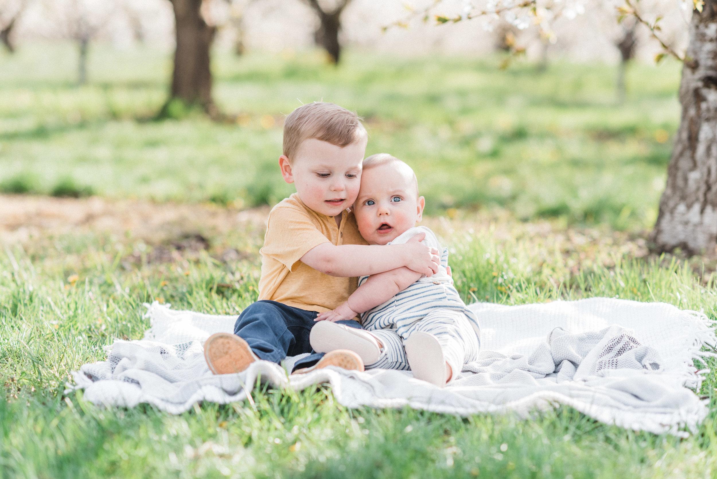 spokane_baby_session_orchard_spring-1.jpg