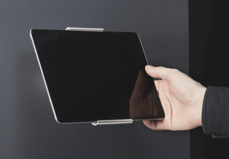 "Drilldown Wall Mount (Aluminium) is compatible with iPad 9.7"",  iPad Pro 12.9"", and Samsung Tab S2 9.7"""