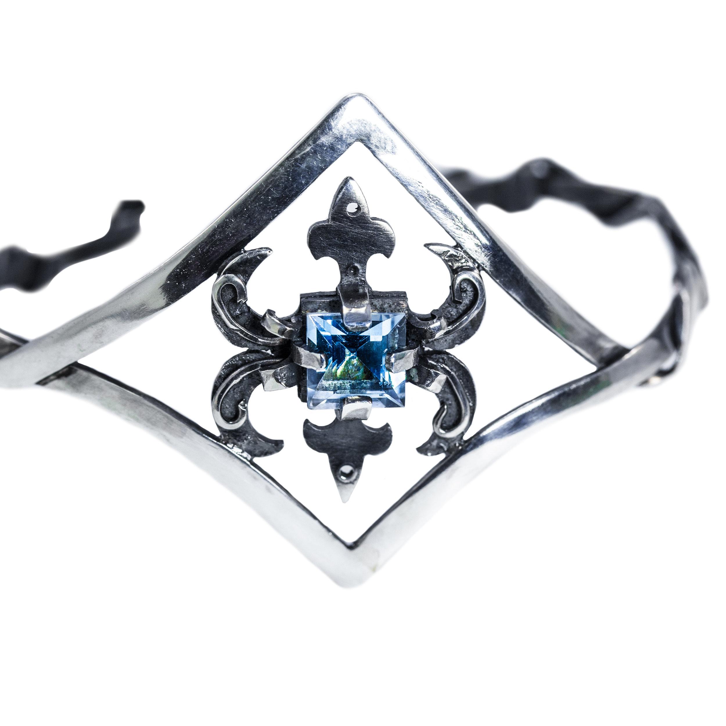 aquamarine brace .jpg