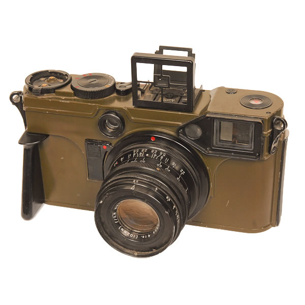 """Graflex KE-4 Combat Camera   Manufactured for the military in 1953 these cameras were very large, using 70mm film. Since the design looked like a giant Contax camera it was given the nickname """"Gulliver's Contax""""."""