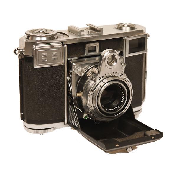 Zeiss Ikon Contessa 35   1950-1955. Folding 35mm with built in dual range uncoupled exposure meter.