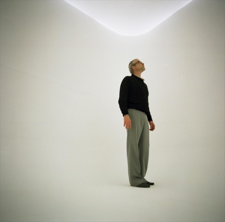 Stanze e Segreti Massimo Bartolini Rotonda della Besana Milan, 2000 (photo courtesy of Change Performing Arts)
