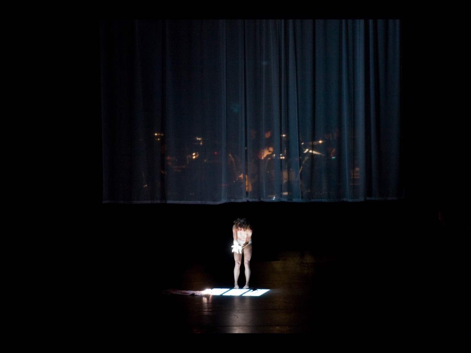 Drifitng and Tilting the Songs of Scott Walker Barbican Theatre, London, 2008 ©photo by Sam Collins