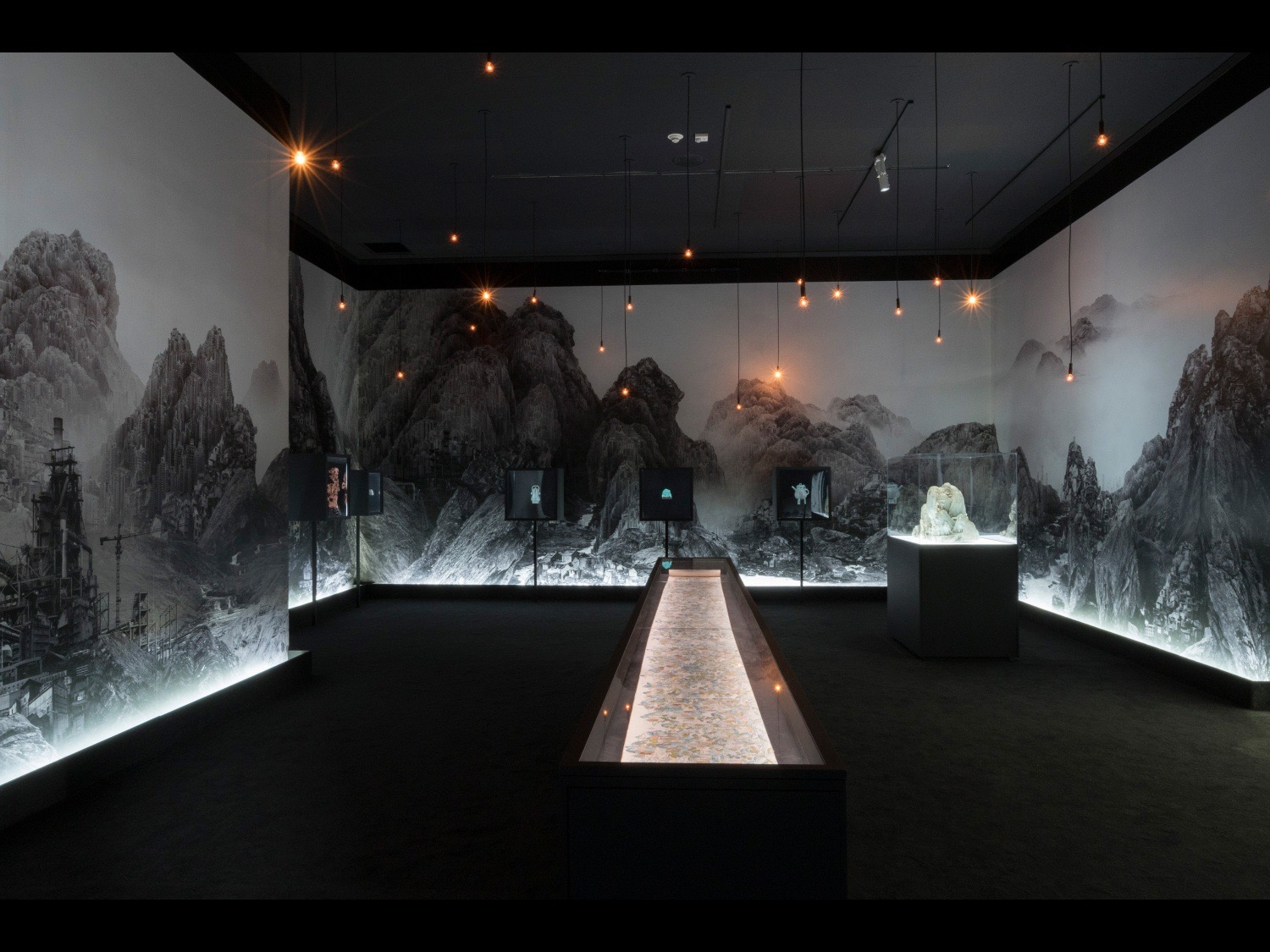 Power and Beauty in China's Last Dynasty Minneapolis Institute of Art, 2018 ©photo courtesy of Mia