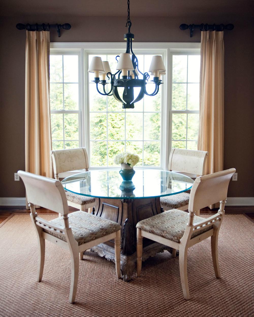 simple elegant dining room design.jpg