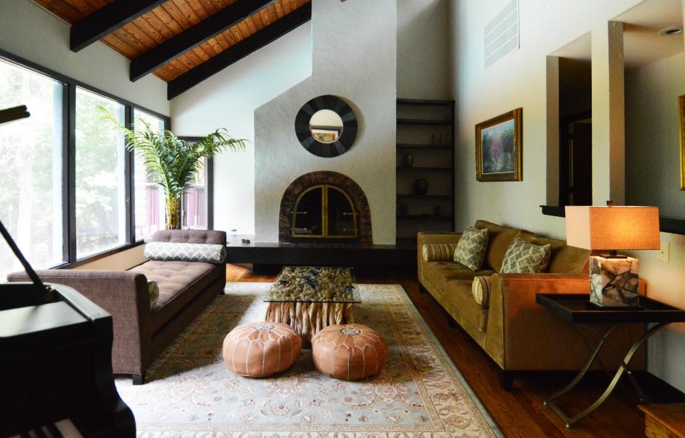natural light living room design.jpg
