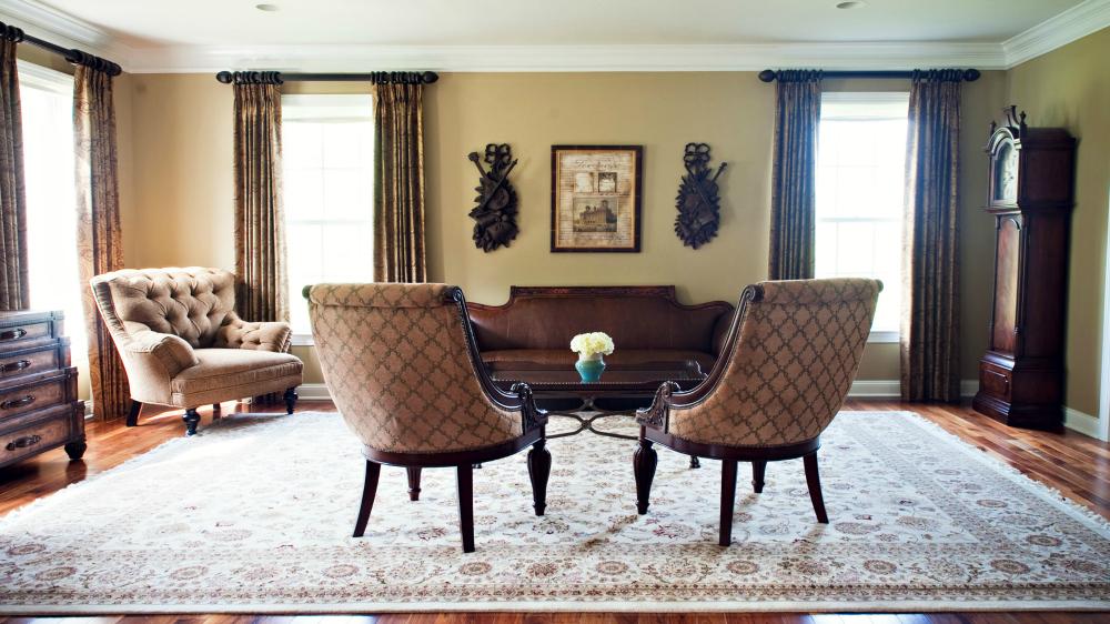 traditional living room Villanova.jpg