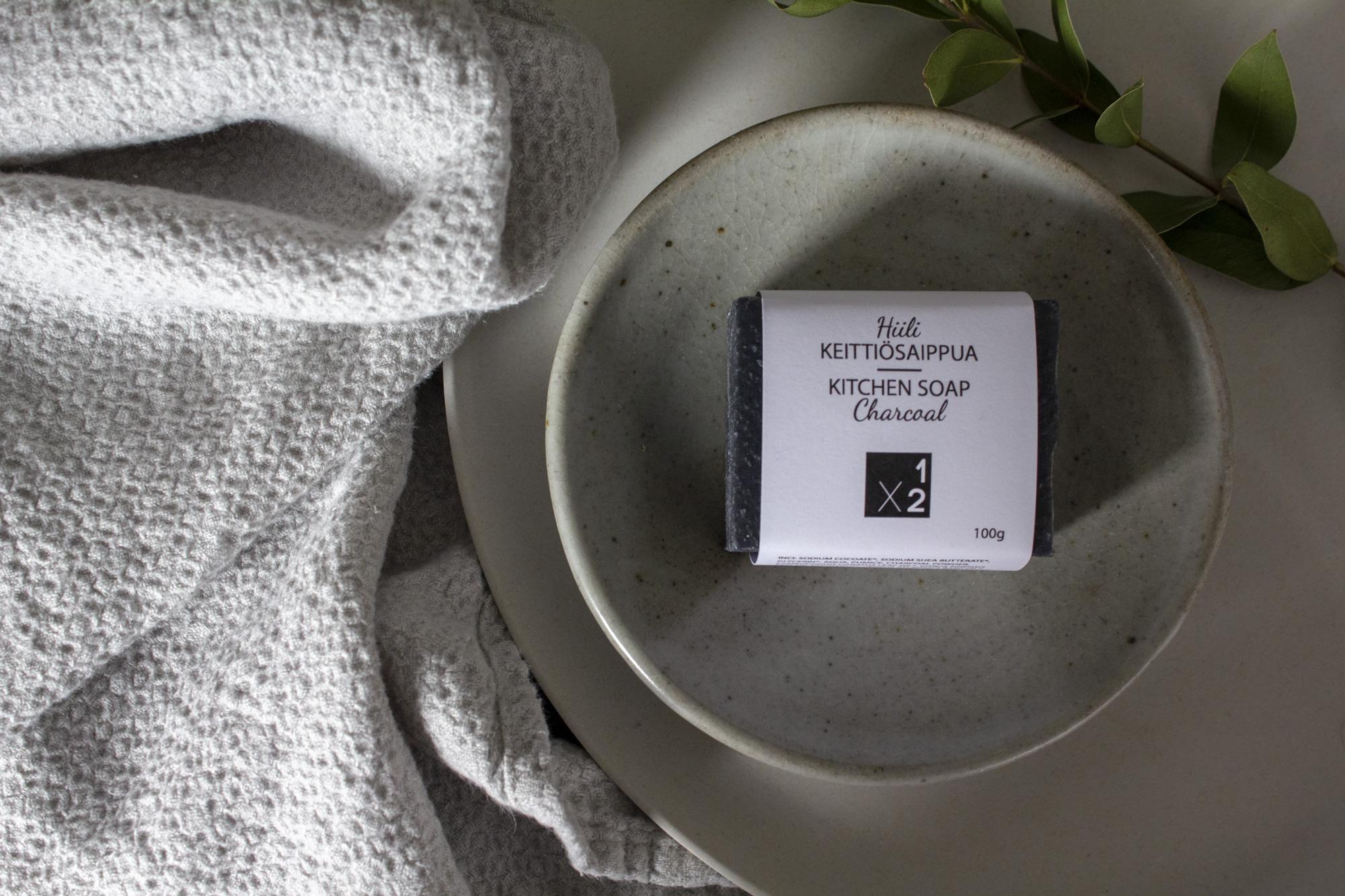 Hiili-keittiösaippua / Charcoal-kitchen soap