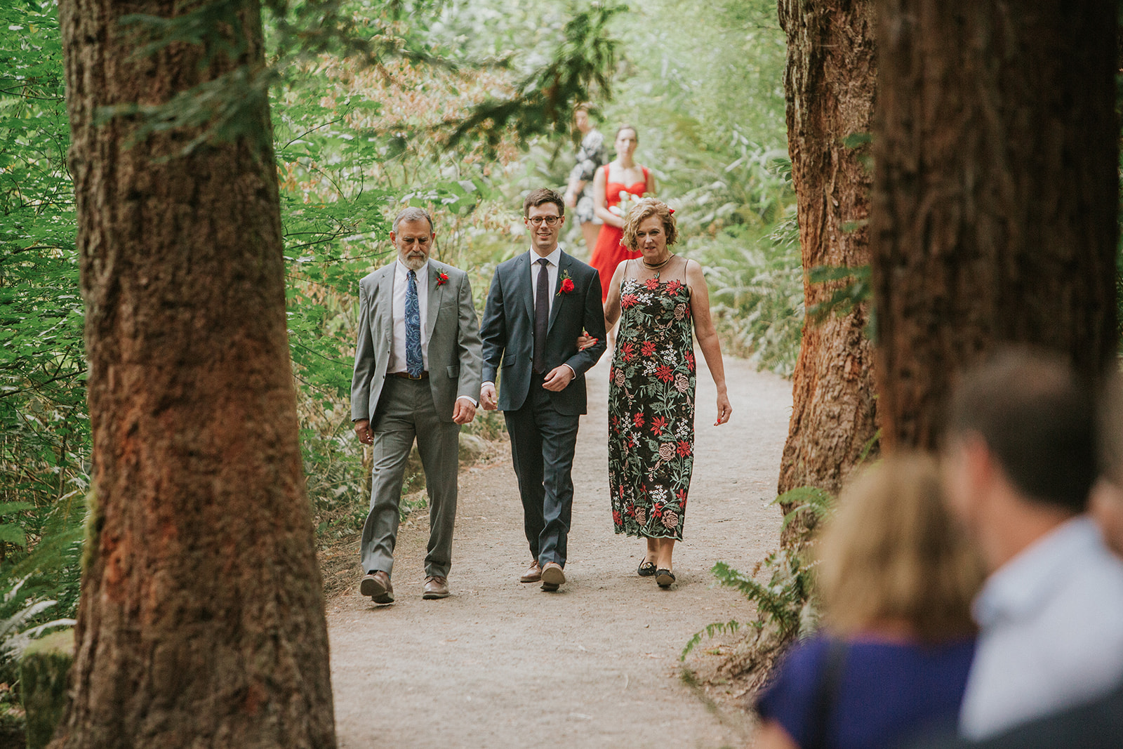 Forest-Park-wedding-groom-and-parents.jpg