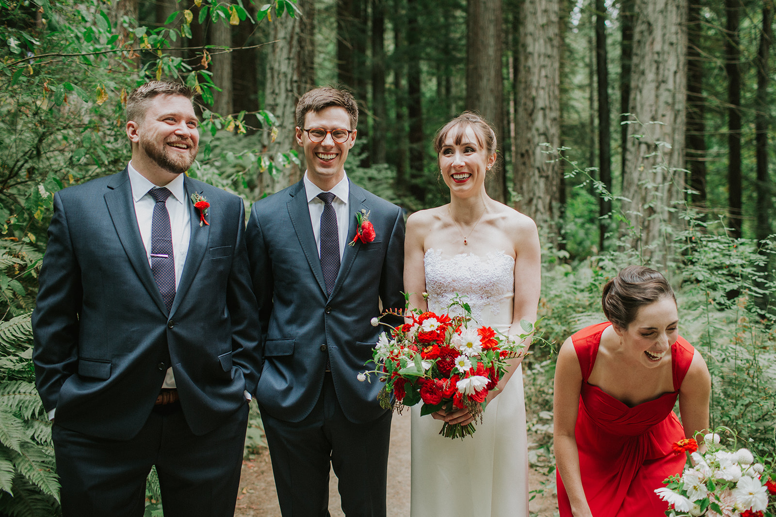 Forest-Park-Wedding-bridal-party-laugh.jpg