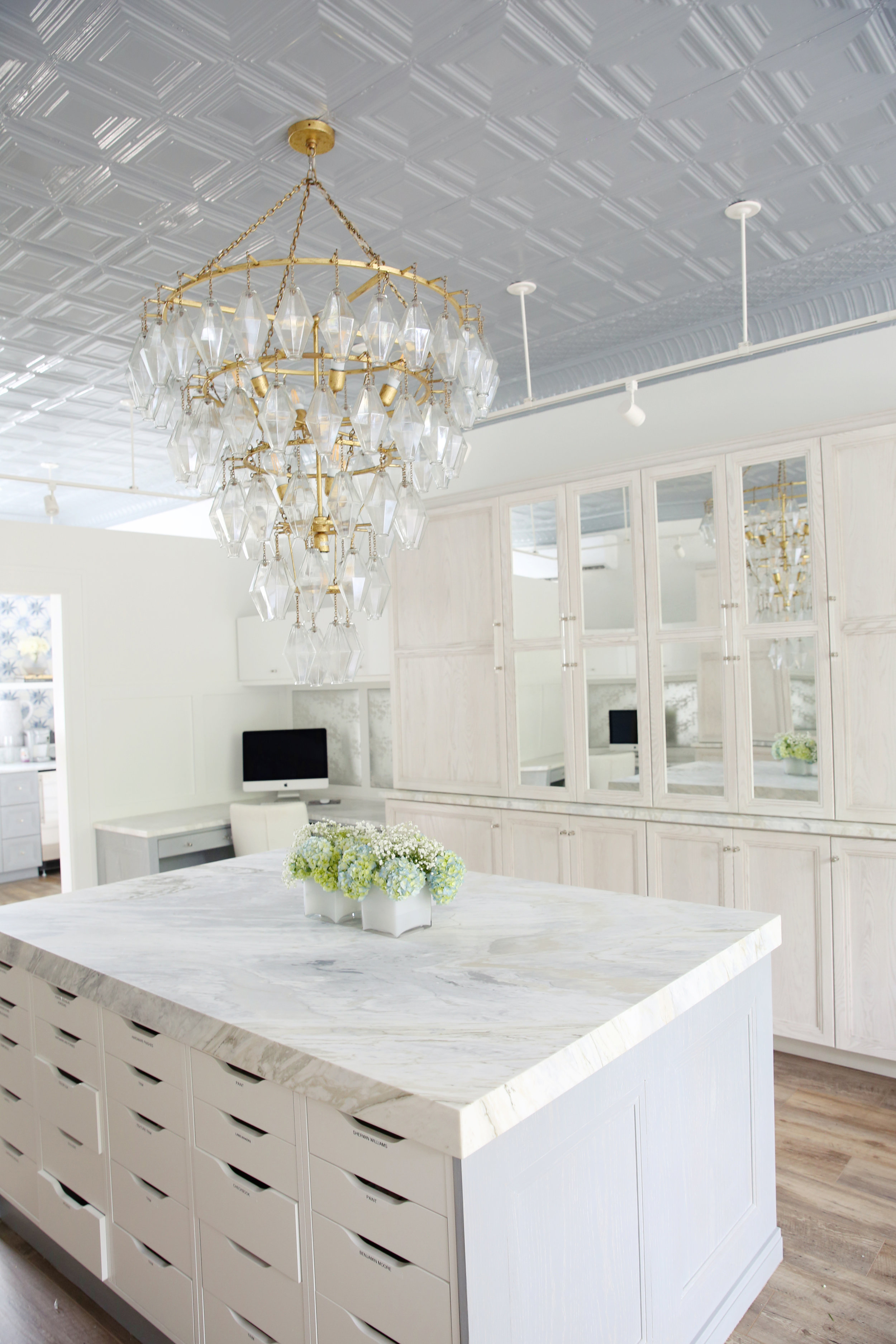 NYC and NJ based lifestyle interior design photographer Jennifer Lavelle Photography -  interiors, exteriors, construction lifestyle photographer.  Karen Wolf Interiors photographer in Short Hills, NJ