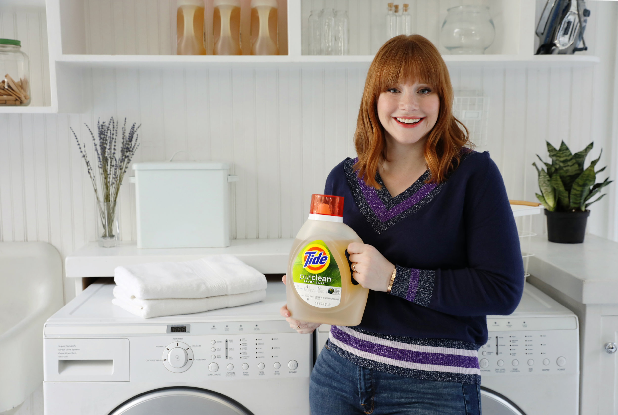 NYC commercial lifestyle photographer JENNIFER LAVELLE PHOTOGRAPHY - Procter & Gamble, Tide Purclean, P&G, Bryce Dallas Howard, New York City lifestyle photographer, Procter & Gamble
