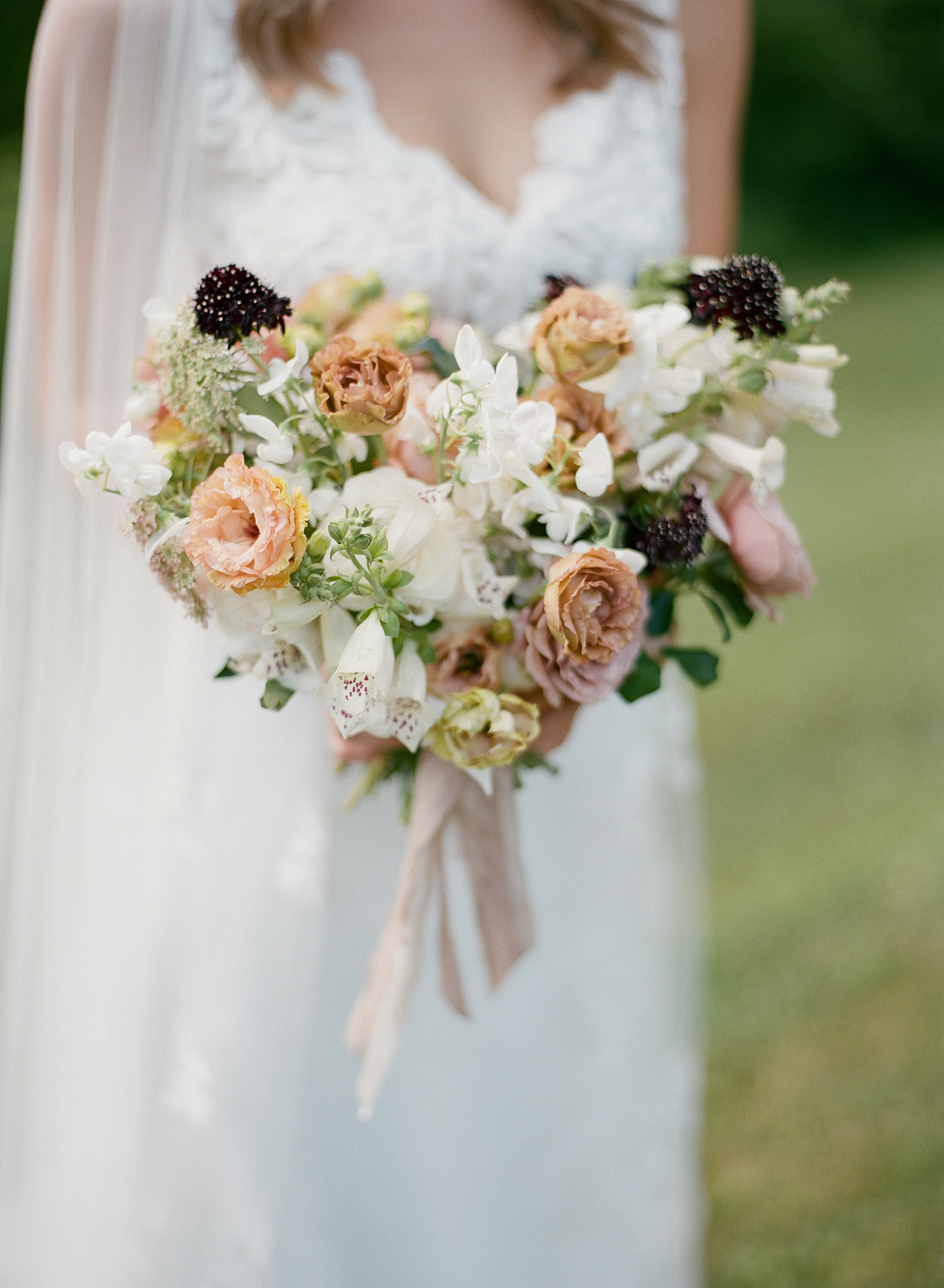 Virginia-wedding-florist-Clifton-Inn-Mallory-Joyce