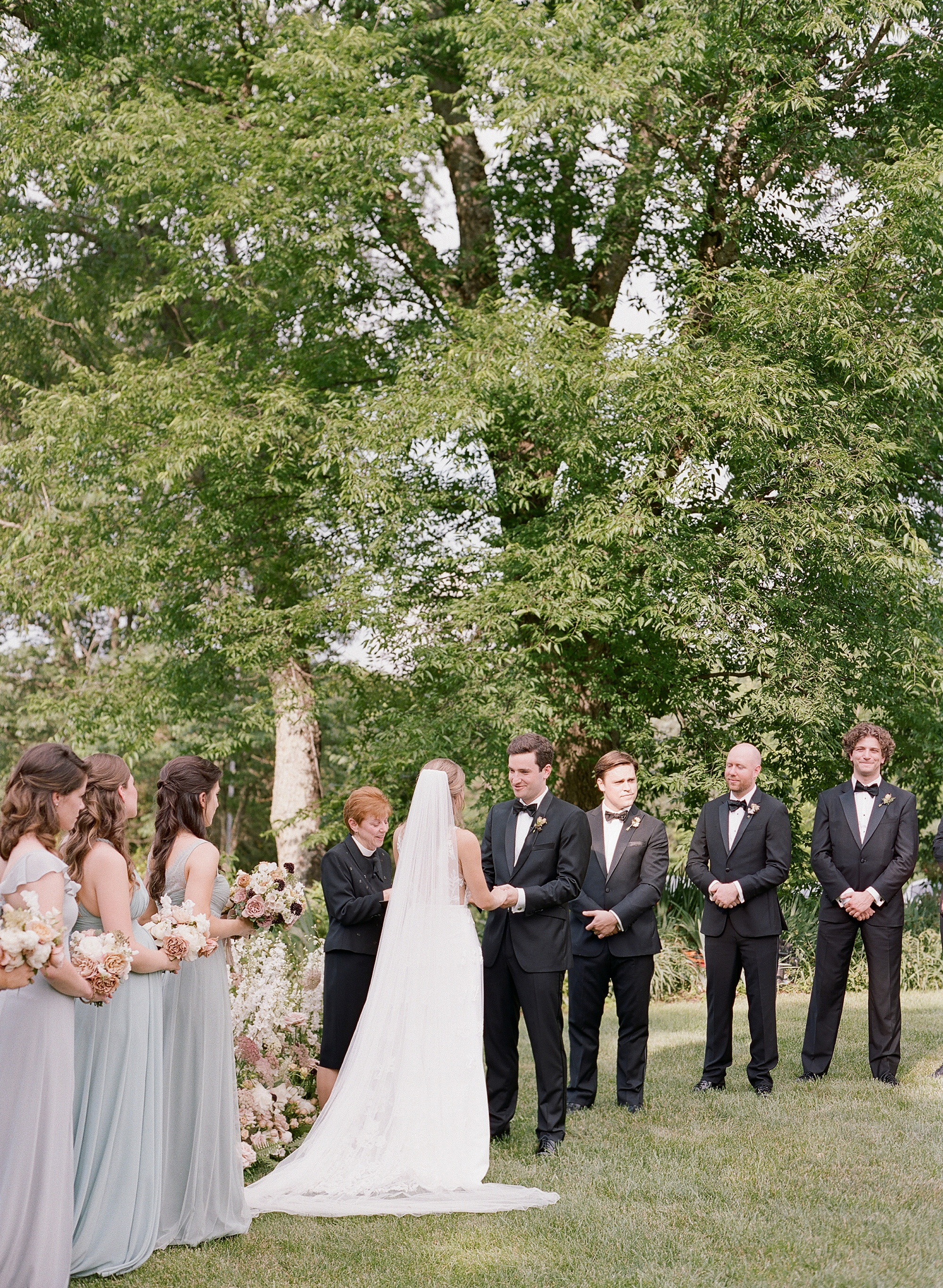 elisa-bricker-charlottesville-virginia-wedding-photographer-clifton-summer045.jpg