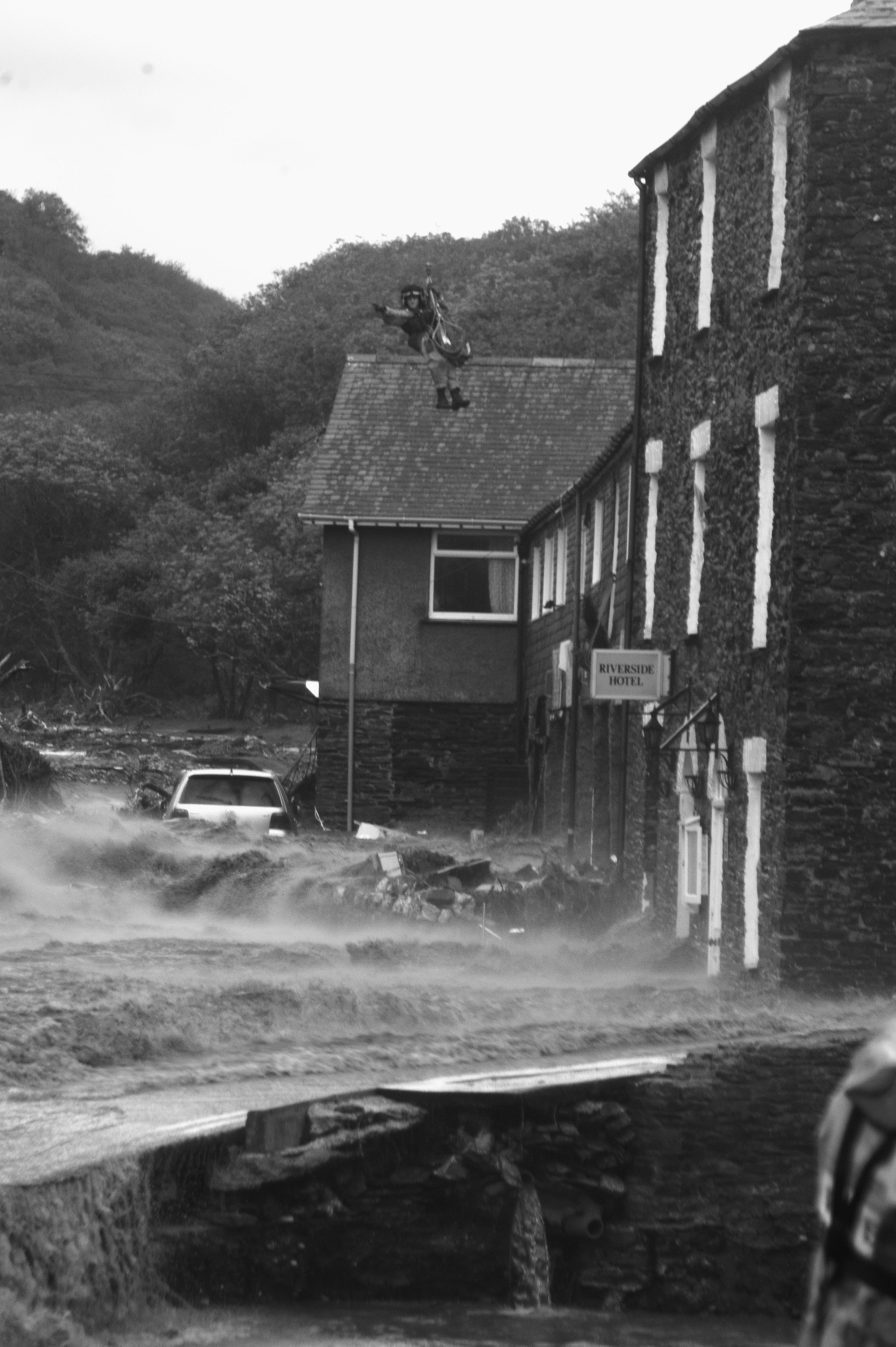 RAF search teams look for flood victims in Boscastle, Cornwall, August 16, 2004. (Photo/Mark Pearson)