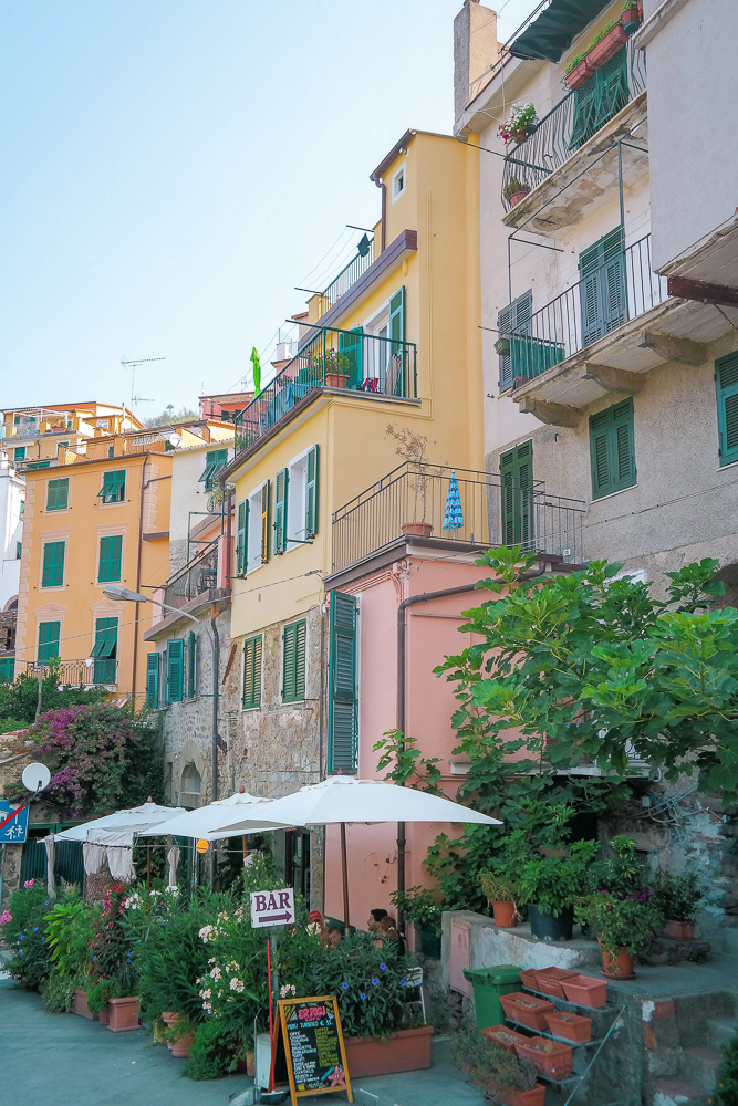Cinque Terre towns: Corniglia, the middle town of Cinque Terre and the only one not accessible by sea