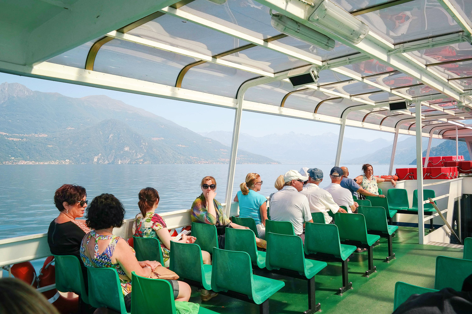 A picturesque ferry ride on Lake Como