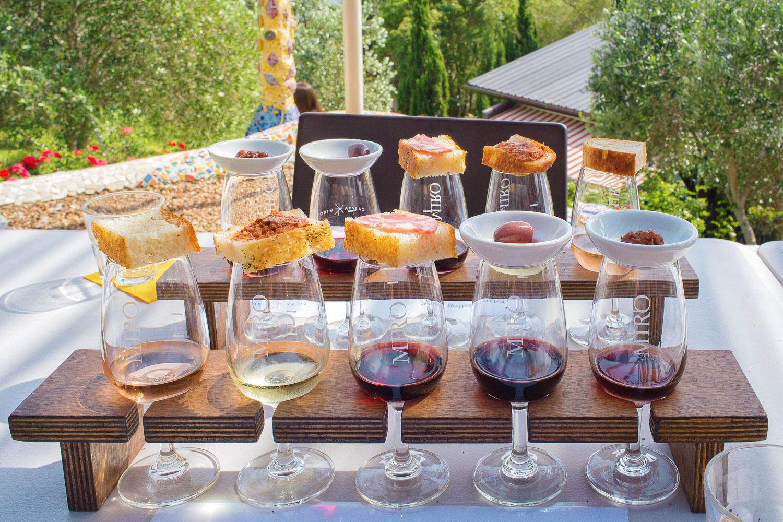 Casita Miro wine tasting