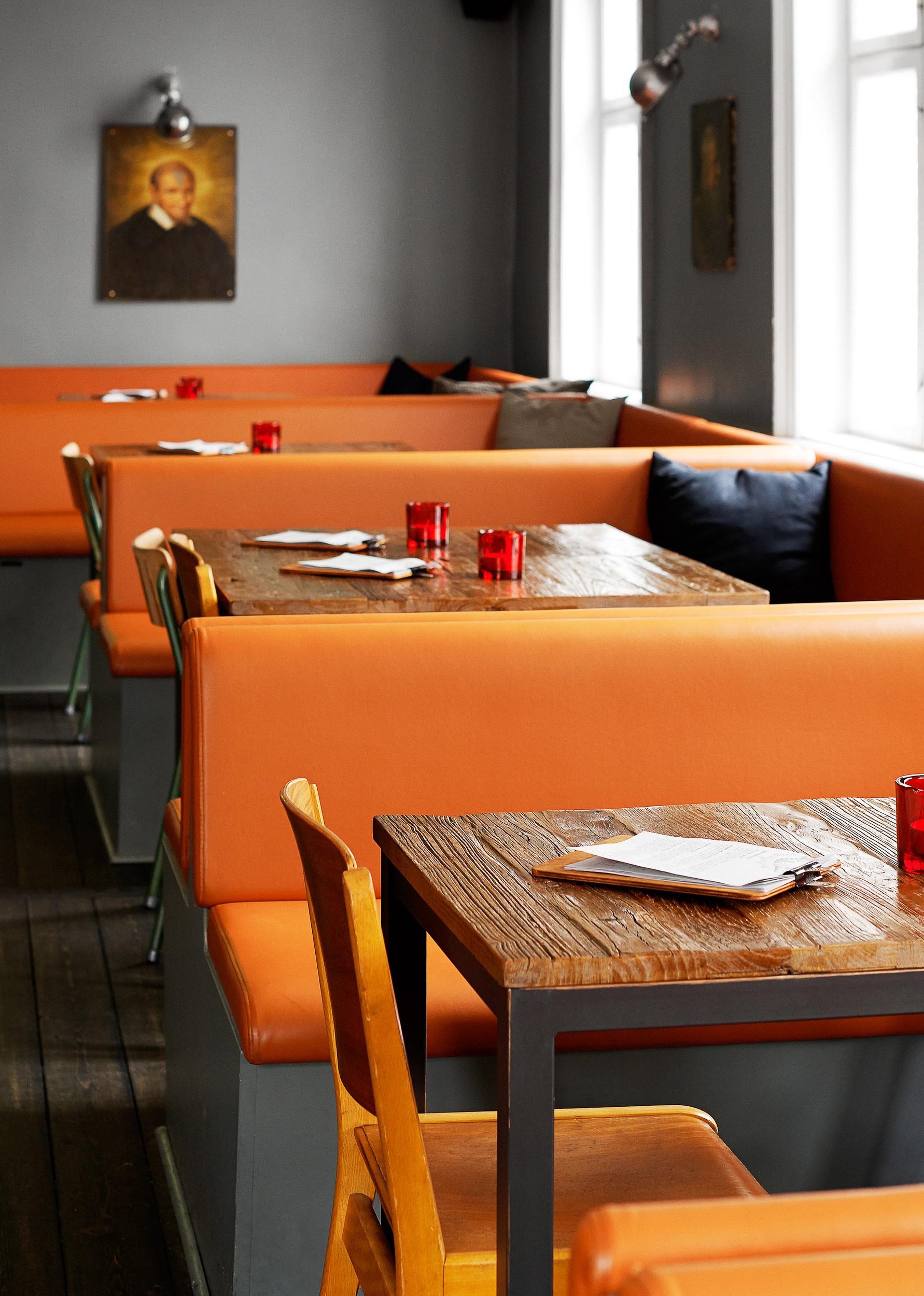 Copenhagen must see: Lidkoeb in Vesterbro, Copenhagen! A great place for cocktails