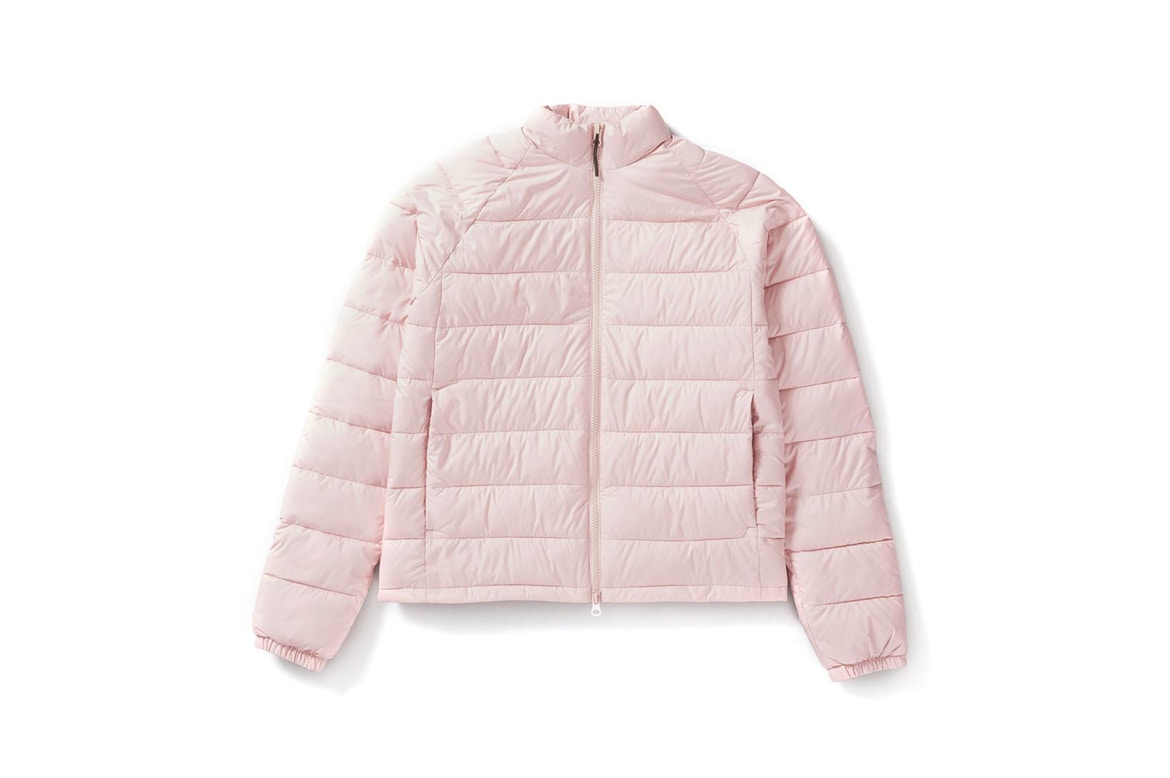 Lightweight Puffer Jacket - A lightweight puffy jacket from Everlane, traditionally retailing for $155, for only $88! Perfect for the cold (30–45º F) and available in a handful of colors