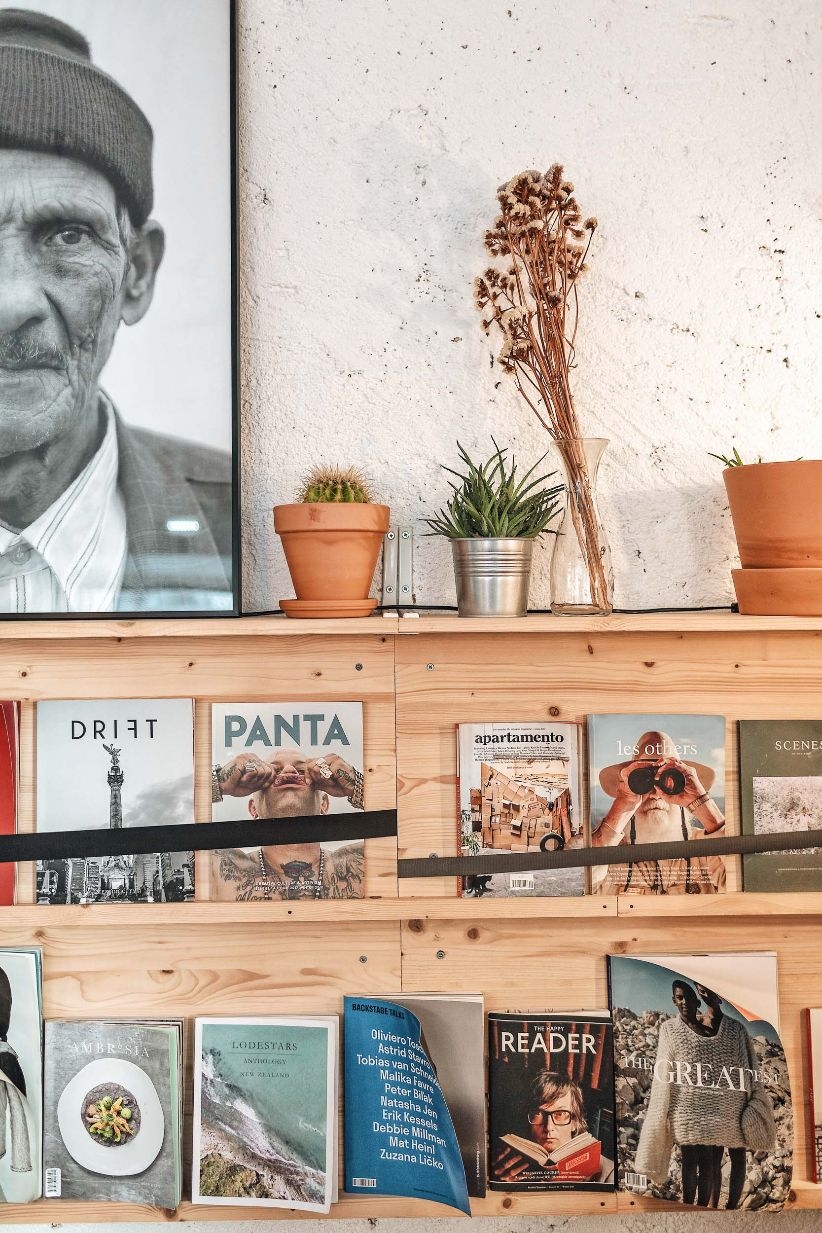 Hello, Kristof is a Lisbon-based specialty coffee shop filled with independent magazines
