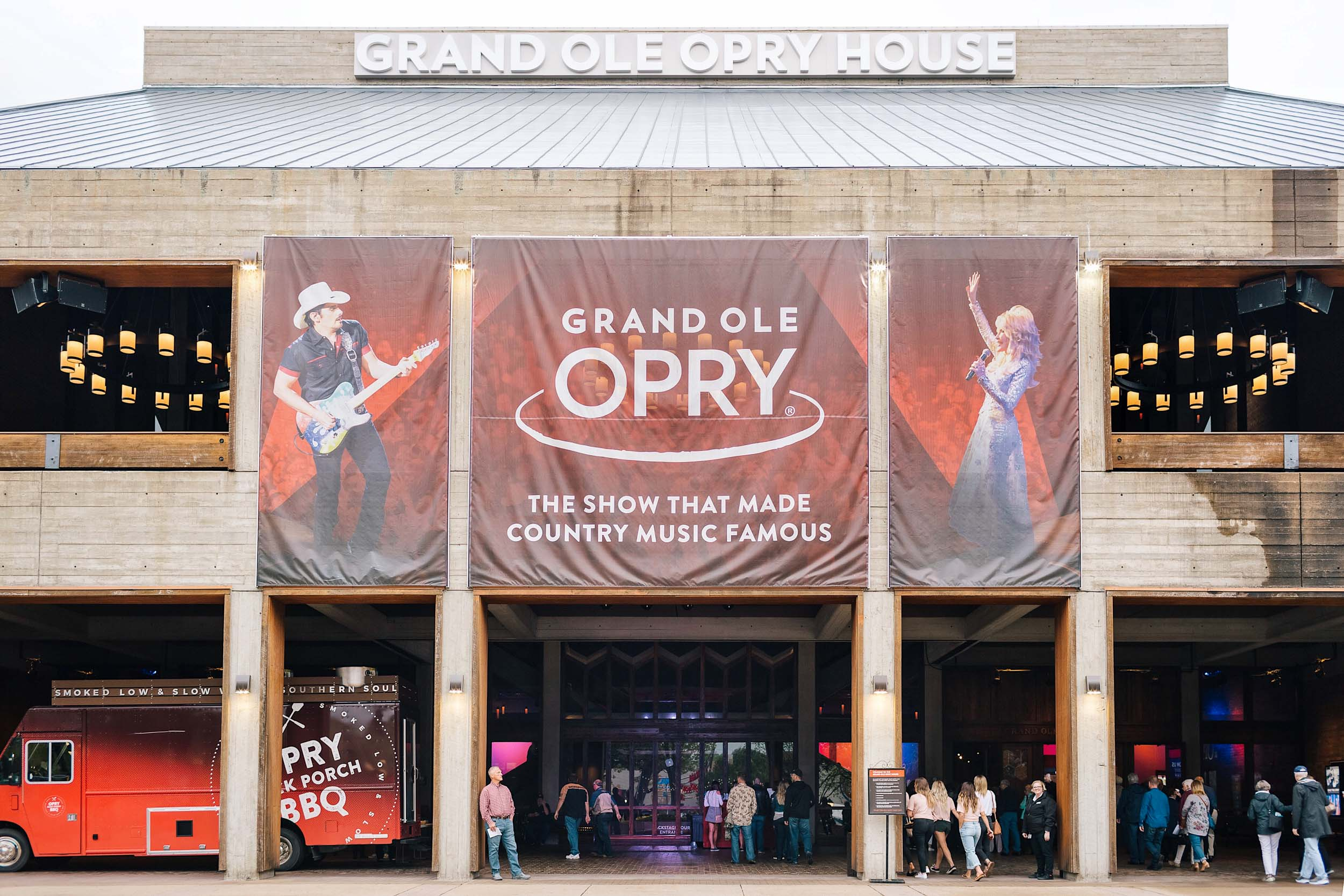 Grand Ole Opry, the show that made country music famous!