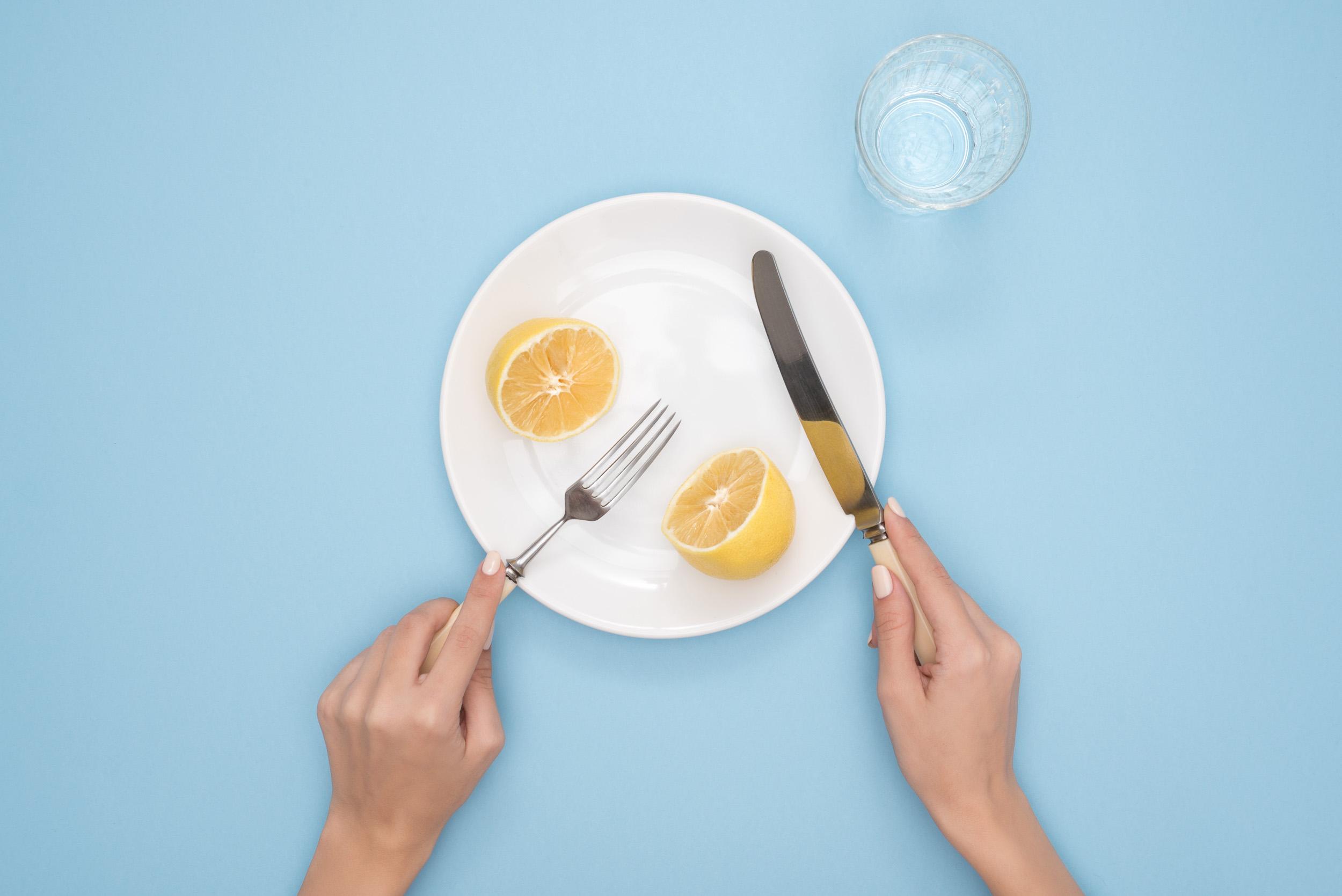How to avoid jet lag - eat smart