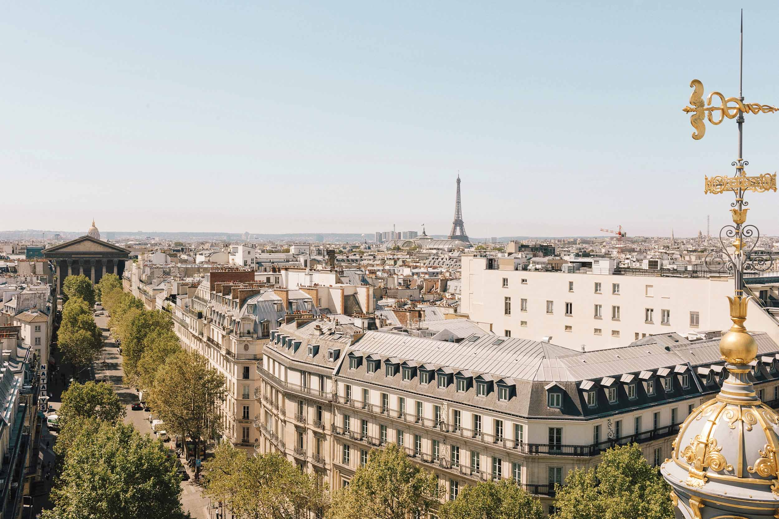 How expensive is Paris? Here are the average prices for food, museum entrance, beer, and more.