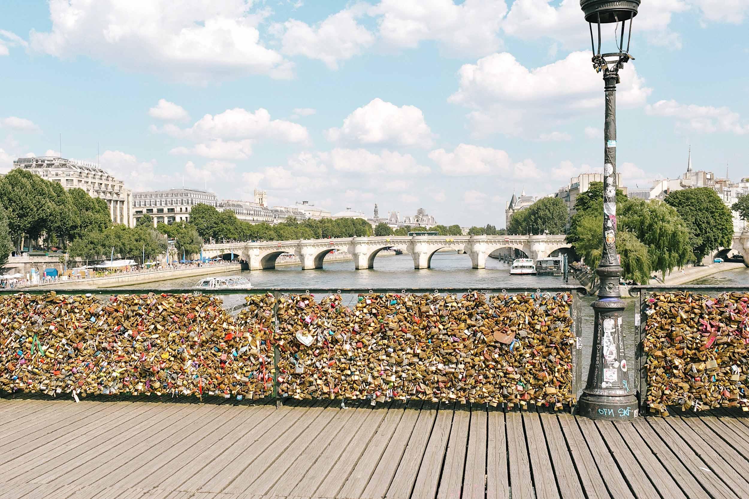 Pont Des Arts love locks bridge