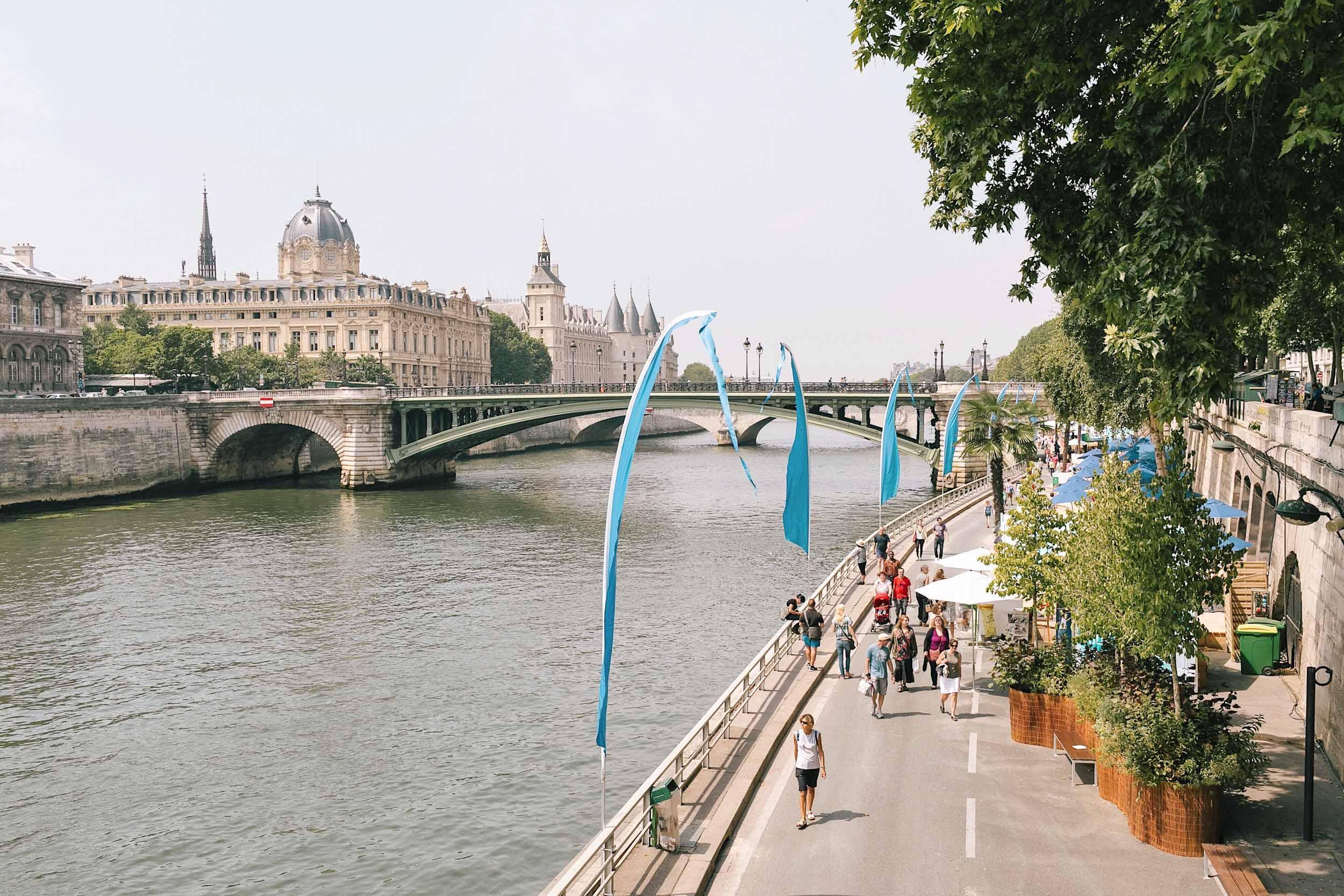 A summer day on the Seine
