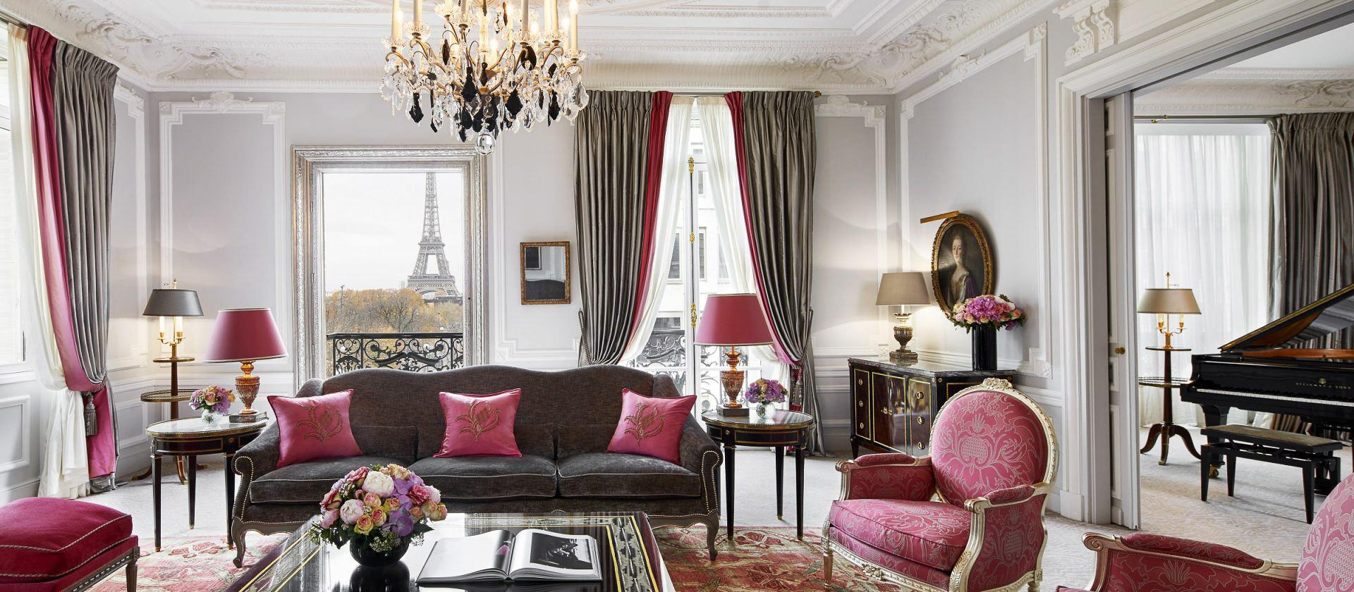 ckanani-Hotel Plaza Athenee9 Haute Couture suite.jpg