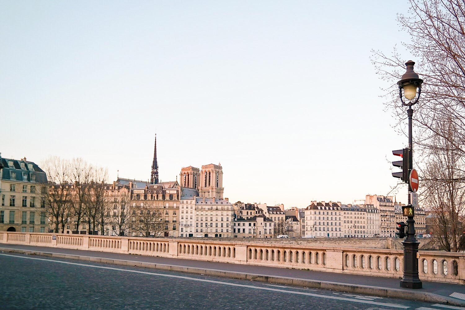 If you have 1 week in Paris, don't miss a sunrise walk