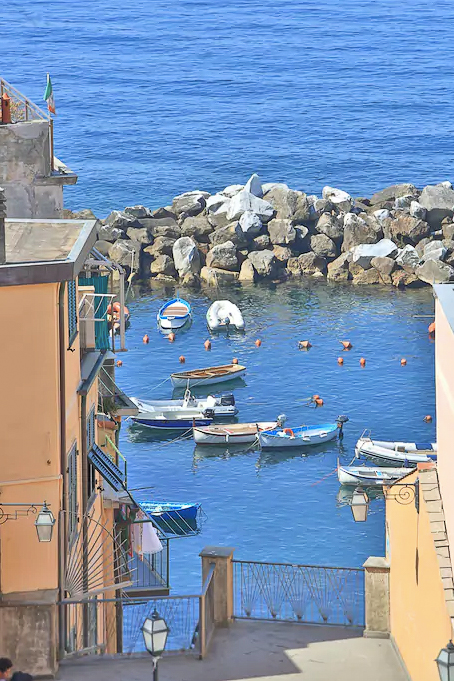 Where to stay in Cinque Terre - this beautiful Airbnb in Riomaggiore