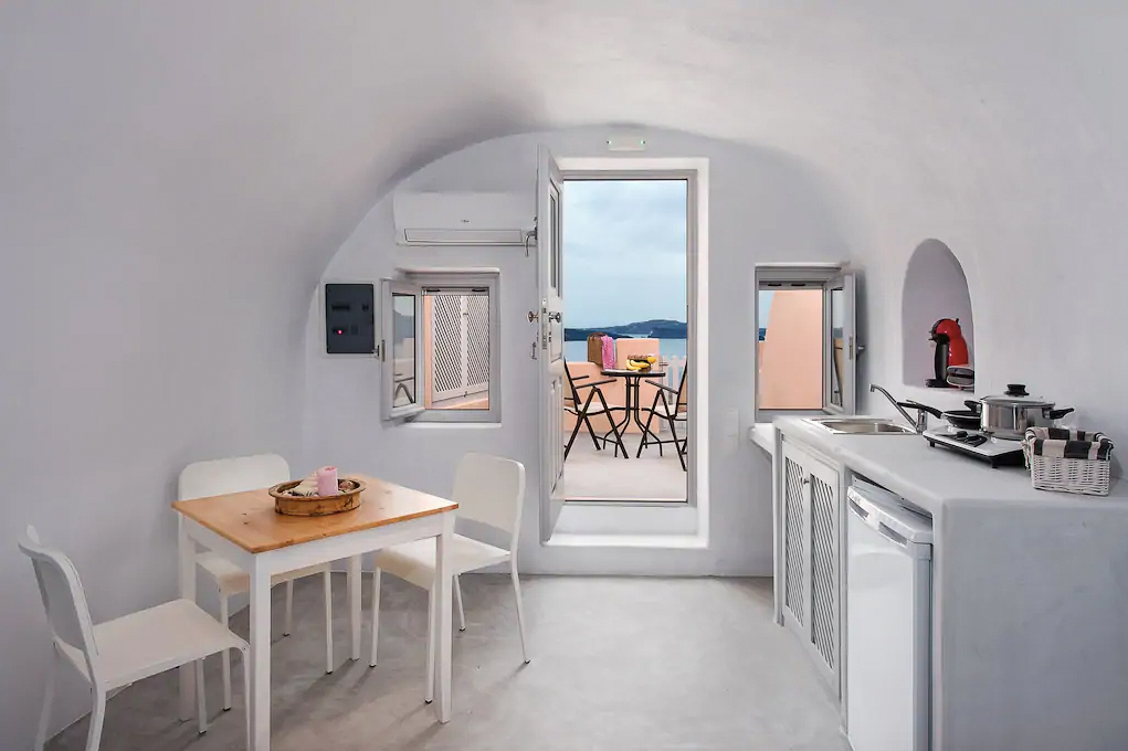 ckanani-airbnb-santorini-9-4.jpg