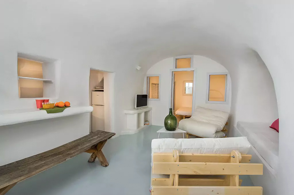 ckanani-airbnb-santorini-4-4.jpg